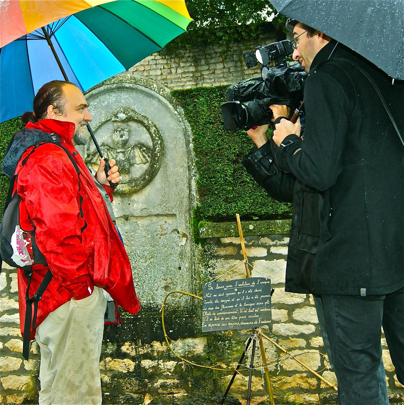 « Se lever avec l'ambition de l'unique » au cimetière de Niort (79)