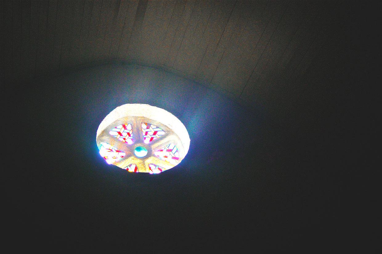 La lumière n'abandonne jamais (Lâcher de poème au jardin du Val-Richard le 12-04-2013)
